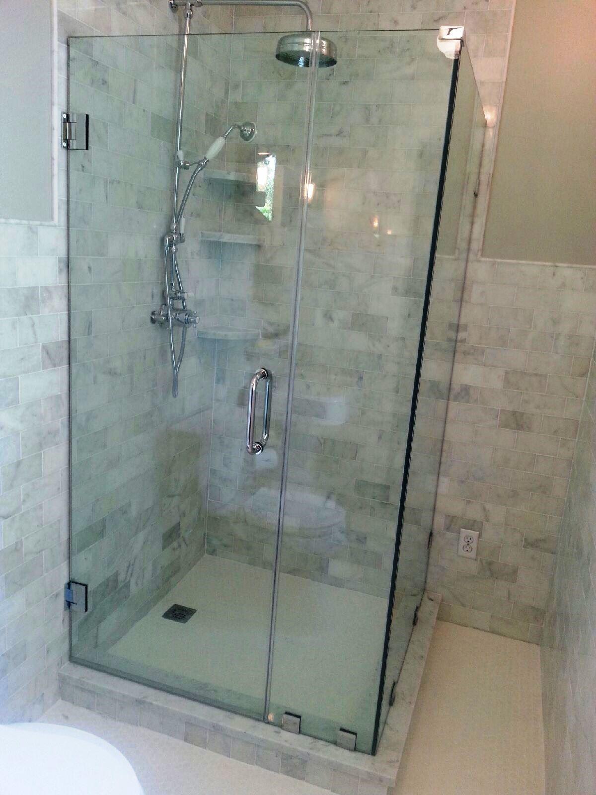 Glass-bath-shower-enclosures